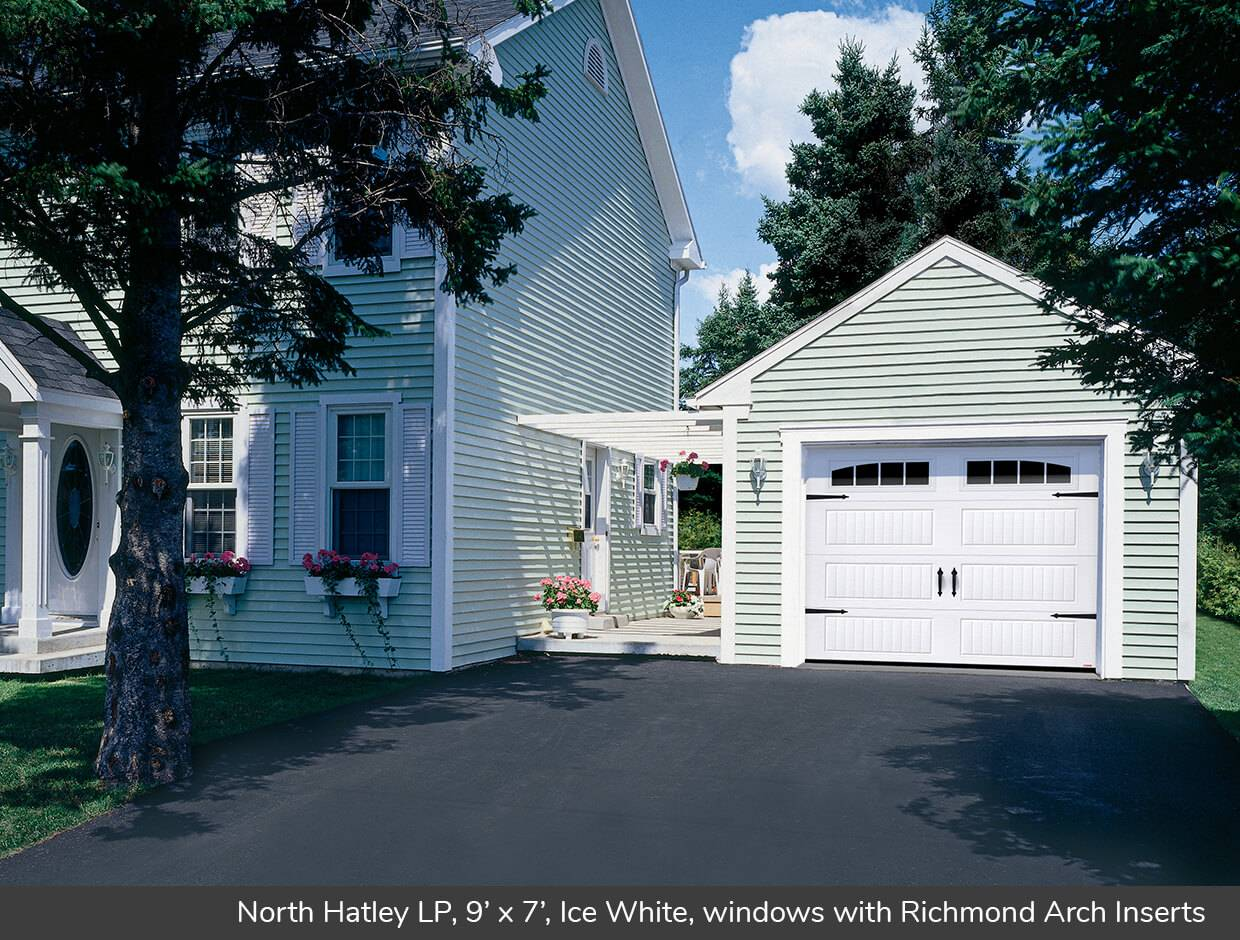 North Hatley LP, 9' x 7', Ice White, windows with Richmond Arch Inserts